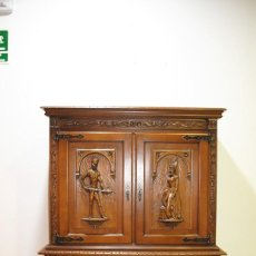 Antigüedades: PRECIOSO BARGUEÑO MUEBLE BAR TALLADO. Lote 215453123