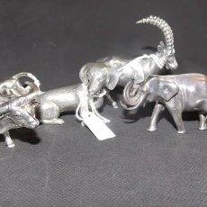 Antigüedades: FIGURA GRUPO DE ANIMALES PLATA VINTAGE PERRO LEON ELEFANTE CABRA. Lote 215472840