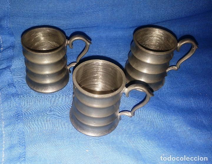 Antigüedades: 3 JARRAS DE ZINC....3 UNIDADES.....5 CM DE ALTO. - Foto 2 - 215591418