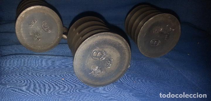 Antigüedades: 3 JARRAS DE ZINC....3 UNIDADES.....5 CM DE ALTO. - Foto 4 - 215591418