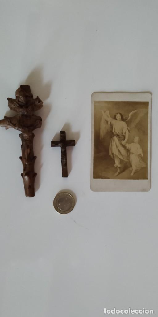 CRUCIFIJOS DE PEQUEÑO TAMAÑO. TALLA DE MADERA (Antigüedades - Religiosas - Crucifijos Antiguos)