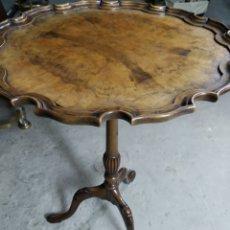 Antiquités: ANTIGUA MESA VELADOR EN MADERA.. Lote 215646261