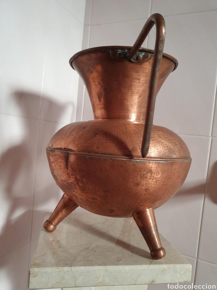 Antigüedades: PRECIOSO JARRON DE TRES PATAS REALIZADO EN COBRE - Foto 2 - 118702035
