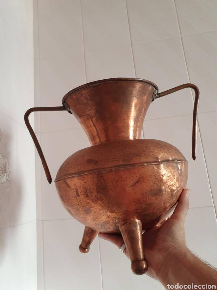 Antigüedades: PRECIOSO JARRON DE TRES PATAS REALIZADO EN COBRE - Foto 6 - 118702035