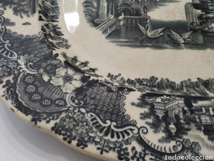 Antigüedades: Preciosa fuente PICKMAN, Cartuja de Sevilla, de 35 centímetros, vista en tinta negra, sello de 1841. - Foto 9 - 215748997