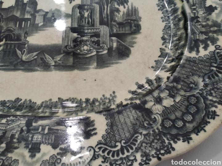 Antigüedades: Preciosa fuente PICKMAN, Cartuja de Sevilla, de 35 centímetros, vista en tinta negra, sello de 1841. - Foto 11 - 215748997