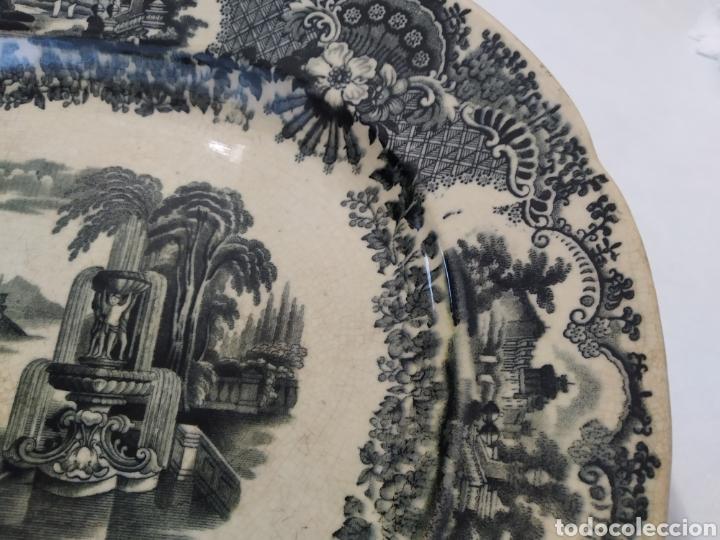 Antigüedades: Preciosa fuente PICKMAN, Cartuja de Sevilla, de 35 centímetros, vista en tinta negra, sello de 1841. - Foto 13 - 215748997