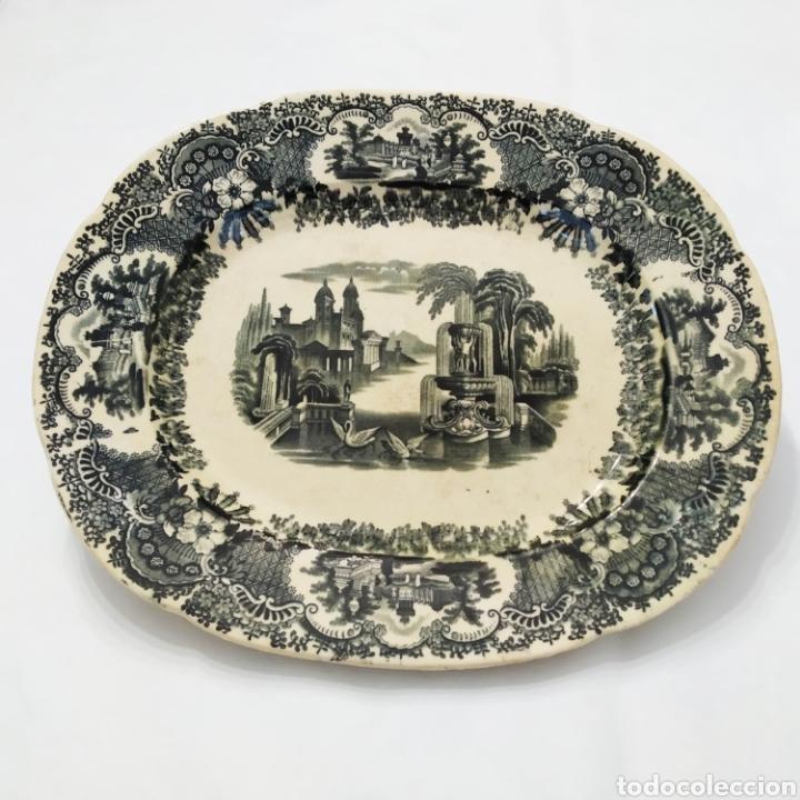 PRECIOSA FUENTE PICKMAN, CARTUJA DE SEVILLA, DE 35 CENTÍMETROS, VISTA EN TINTA NEGRA, SELLO DE 1841. (Antigüedades - Porcelanas y Cerámicas - La Cartuja Pickman)