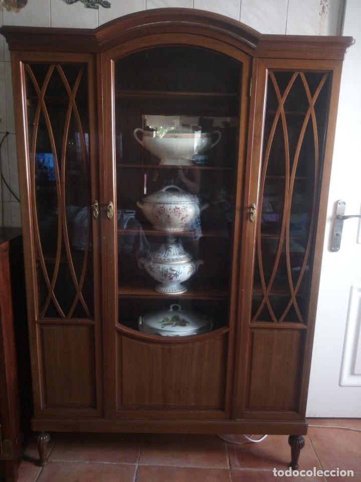 Antigüedades: Preciosa vitrina de madera de de caoba estilo ingles. - Foto 5 - 224937496