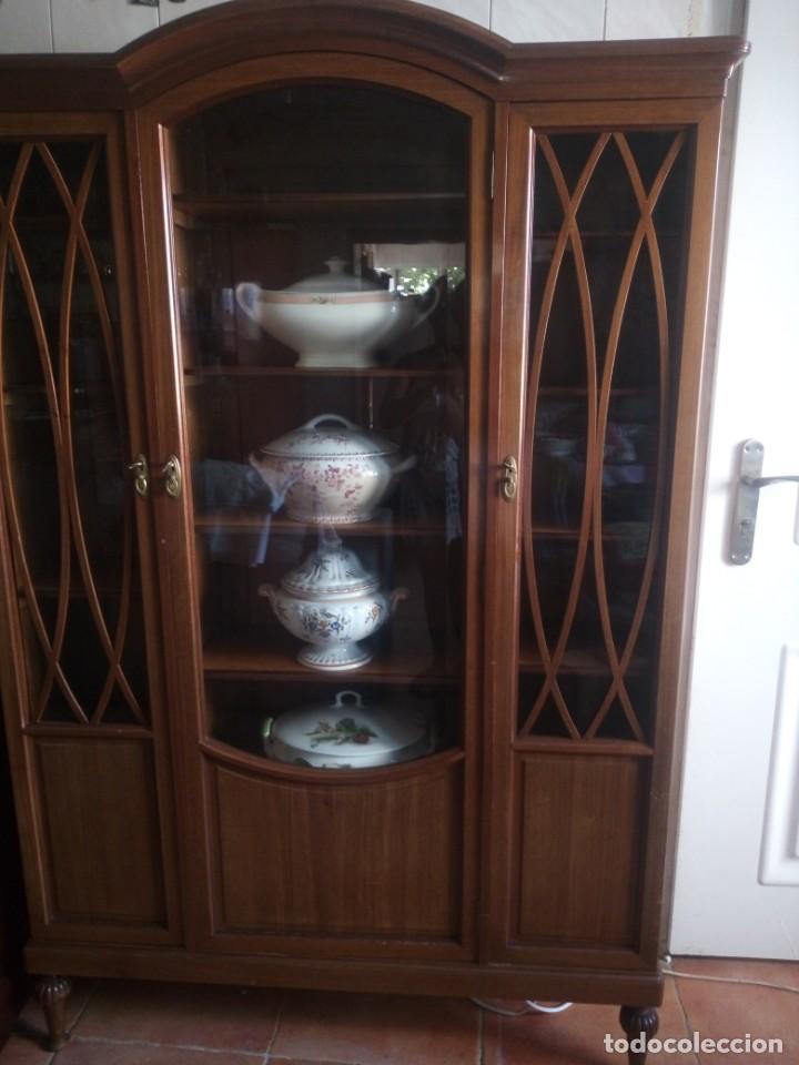 Antigüedades: Preciosa vitrina de madera de de caoba estilo ingles. - Foto 6 - 224937496