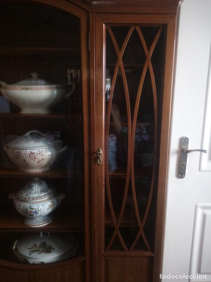 Antigüedades: Preciosa vitrina de madera de de caoba estilo ingles. - Foto 10 - 224937496