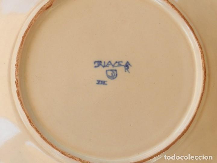 Antigüedades: Plato de cerámica Talavera, Ruiz de Luna con imagen de mujer y puntilla decorativa. muy buen estado. - Foto 7 - 215777652