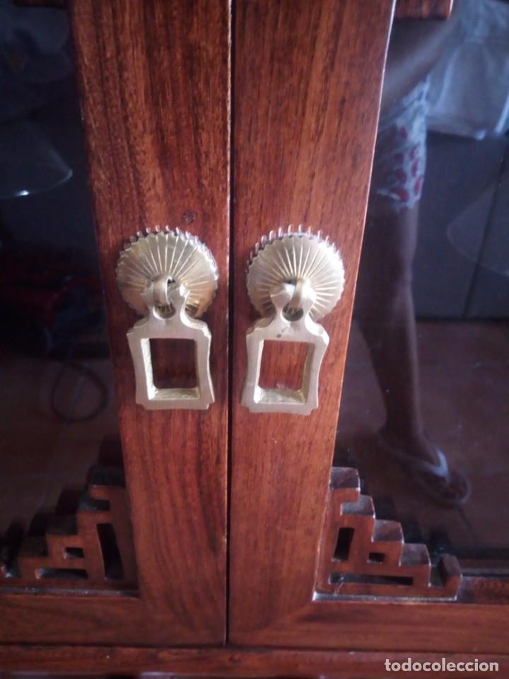 Antigüedades: Precioso mueble bar botellero de madera de caoba macizo estilo hindú.con decoraciones de latón. - Foto 13 - 215777770