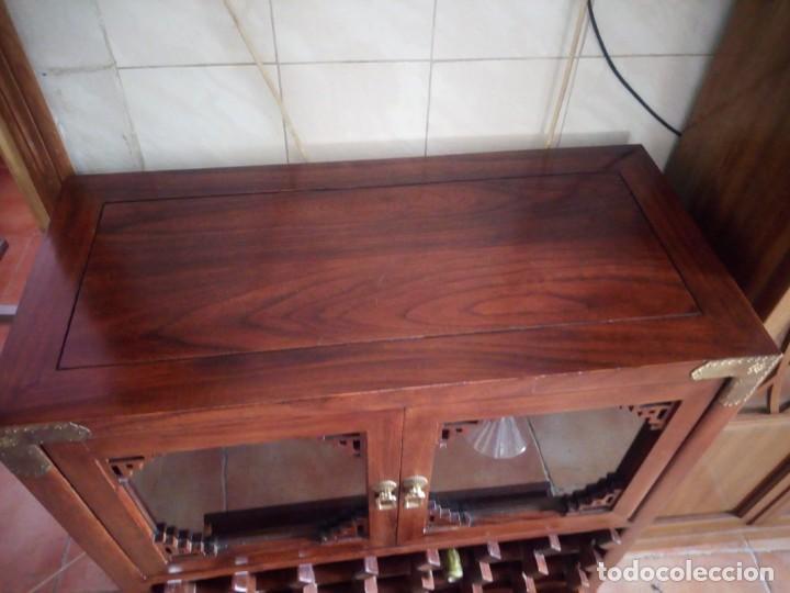 Antigüedades: Precioso mueble bar botellero de madera de caoba macizo estilo hindú.con decoraciones de latón. - Foto 19 - 215777770