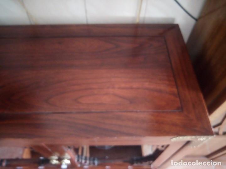 Antigüedades: Precioso mueble bar botellero de madera de caoba macizo estilo hindú.con decoraciones de latón. - Foto 21 - 215777770
