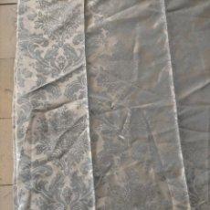 Antigüedades: P-2 BROCADO CELESTE 183 X 128 CM IDEAL CONFECCION MANTO VIRGEN SAYA SEMANA SANTA TRAJE CASULLA. Lote 215805062