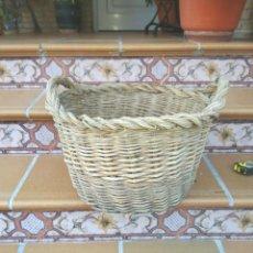 Antigüedades: ANTIGUA CANASTA DE MIMBRE. Lote 215832100