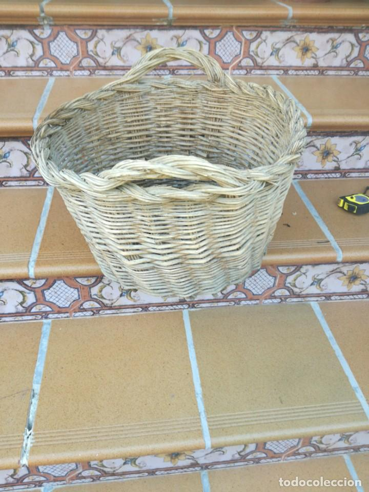 Antigüedades: Antigua canasta de mimbre - Foto 2 - 215832100