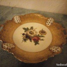 Antigüedades: PRECIOSO PLATO DE PORCELANA ROSENTHAL DECORADO CON FLORES Y ORO,CALADO.. Lote 215836031