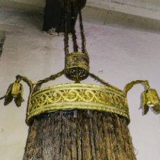 Antigüedades: LAMPARA SALÓN ART-NOUVEAU,, LATÓN LABRADO Y FLECOS DE TELA 100% ORIGINAL, CABLEADO, FLECOS ETC.... Lote 215838948
