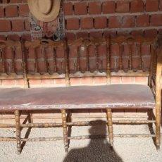 Antigüedades: CONJUNTO SOFÁ, SILLAS Y MESA. ANTIGUO MODELO PATA DE CABRA.. Lote 229298885