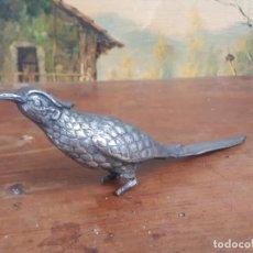 Antigüedades: PAREJA DE FAISANES EN METAL. Lote 215950777