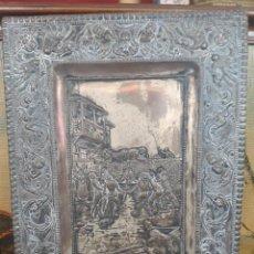 Antigüedades: CUADRO DE COBRE REPUJADO A MANO - ESCENA DON QUIJOTE - MANTEAMIENTO DE SANCHO 46 X 36. Lote 215956353