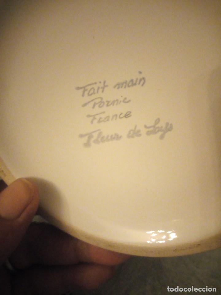 Antigüedades: Bonito jarron de porcelana fait main pornie france fleur de lis faience regionale. - Foto 6 - 215989817