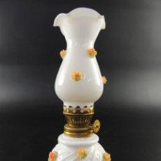Oggetti Antichi: VINTAGE QUINQUE LAMPARA DE OPALINA EXCELENTE DECORACIÓN. Lote 216418230