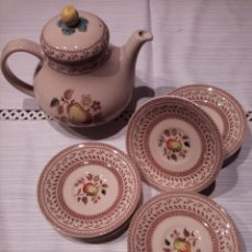 Antigüedades: JOHNSON BROS OLD GRANITE FRUIT SAMPLES TETERA Y CUATRO PLATOS.. Lote 216421063
