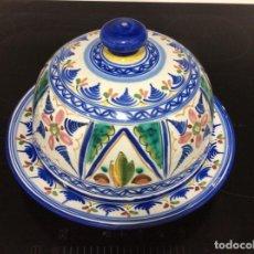 Antigüedades: QUESERA DE CERÁMICA FIRMADA DE LA CAL. Lote 216488133