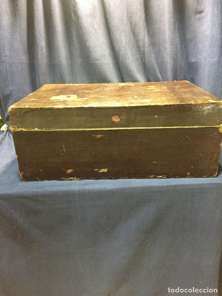 Antigüedades: BAÚL CHINO EXPORTACION EUROPA GOFRADO CUERO PIEL AVES ENTRE CEREZOS EN FLOR 4800GRS 26X67X45CMS - Foto 16 - 216601566