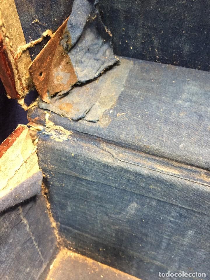 Antigüedades: BAÚL CHINO EXPORTACION EUROPA GOFRADO CUERO PIEL AVES ENTRE CEREZOS EN FLOR 4800GRS 26X67X45CMS - Foto 27 - 216601566