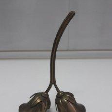 Antigüedades: ANTIGUA CAMPANILLA DE 15 CM DOBLE DE TULIPAS. Lote 216718960