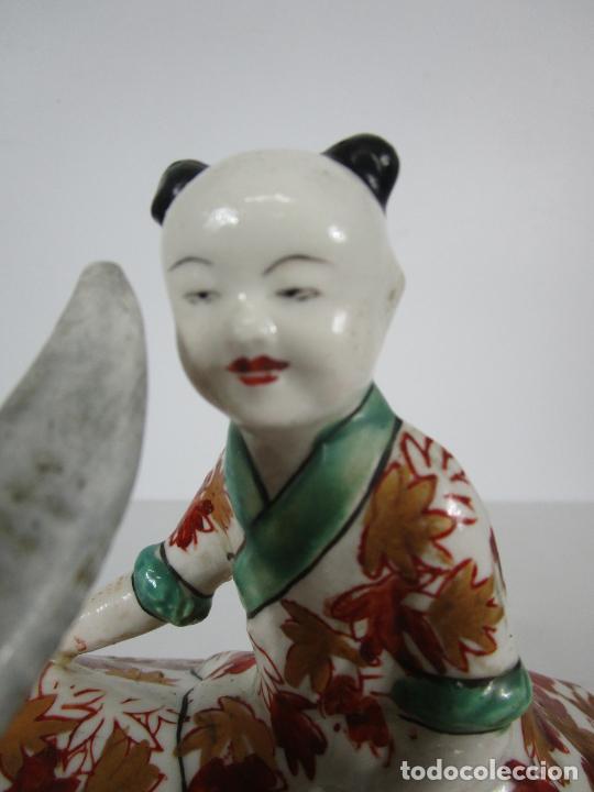Antigüedades: Espectacular Sopera Imari, Japón - Época Meiji - Loza Policromada -Sello en la Base -Peana en Madera - Foto 24 - 216767866
