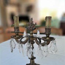 Antigüedades: R 1606 ANTIGUO CANDELABRO DE BRONCE Y LAGRIMAS. Lote 216791771