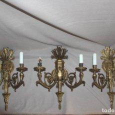 Antigüedades: 3 LÁMPARAS O APLIQUES DE PARED DE BRONCE-CANDELABRO-ESTILO IMPERIO-CASI 50 CM. Lote 216795813