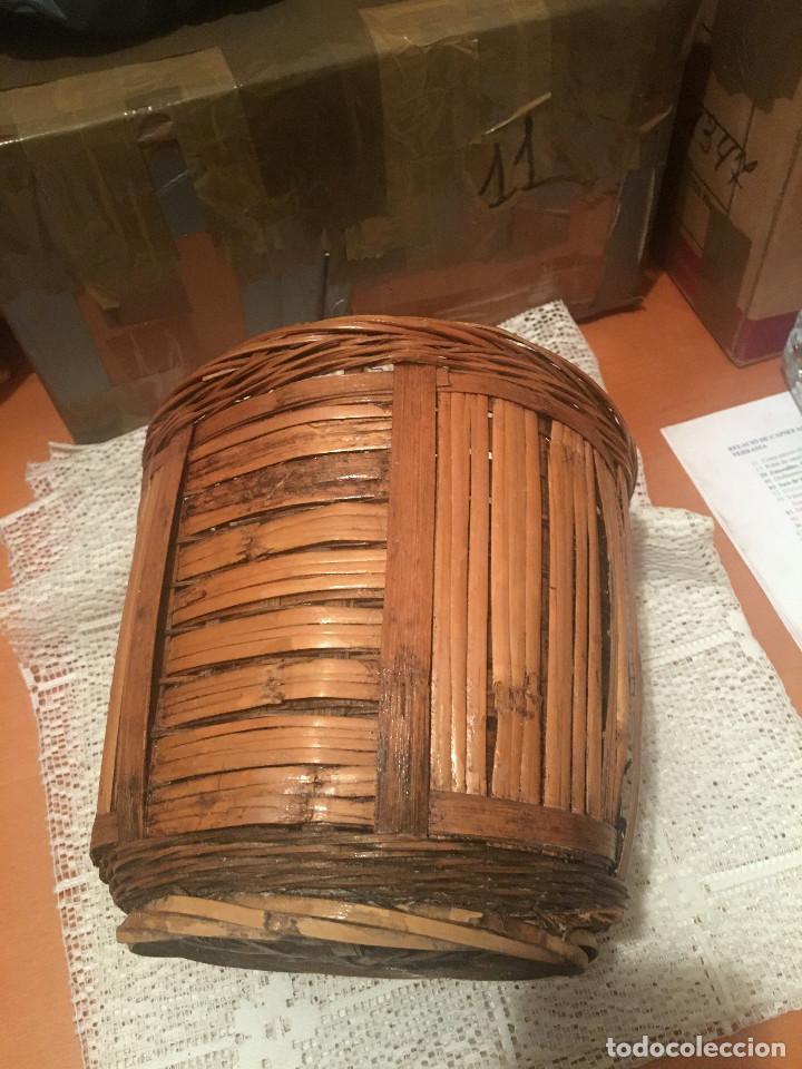 Antigüedades: ANTIGUA CESTA, PORTAMACETAS O MACETERO DE MIMBRE - Foto 2 - 216828606