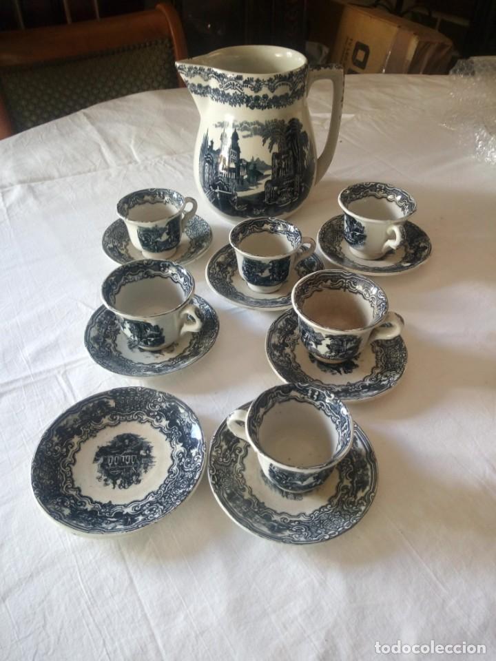 ANTIGUO JUEGO DE CAFÉ Y JARRA DE LA CARTUJA PIKMAN SEVILLA (Antigüedades - Porcelanas y Cerámicas - La Cartuja Pickman)