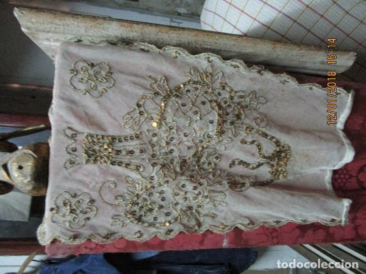 Antigüedades: MUY antiguo palio O PRENDA DE MUJER O VIRGEN bordado con hilos de SEDA Y oro - Foto 3 - 216856861