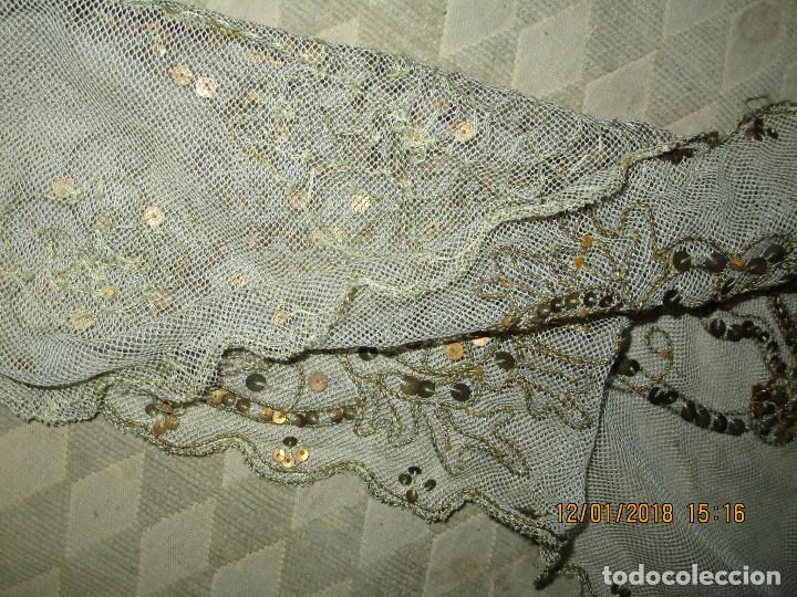 Antigüedades: MUY antiguo palio O PRENDA DE MUJER O VIRGEN bordado con hilos de SEDA Y oro - Foto 8 - 216856861