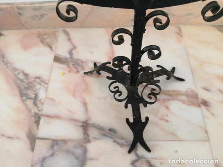 Antigüedades: Antiguo Candelabro de forja - Foto 5 - 216900402