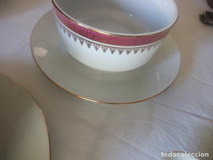 Antigüedades: Vajilla incompleta de porcelana bohemia made in czechoslovakia,17 piezas.borde granate y oro - Foto 10 - 216949376