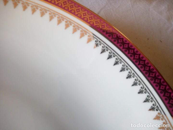 Antigüedades: Vajilla incompleta de porcelana bohemia made in czechoslovakia,17 piezas.borde granate y oro - Foto 13 - 216949376