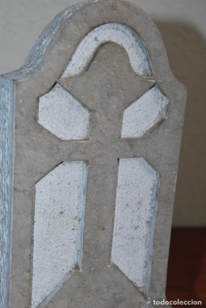 Antigüedades: ANTIGUA BENDITERA DE PIEDRA TALLADA - Foto 8 - 216960337