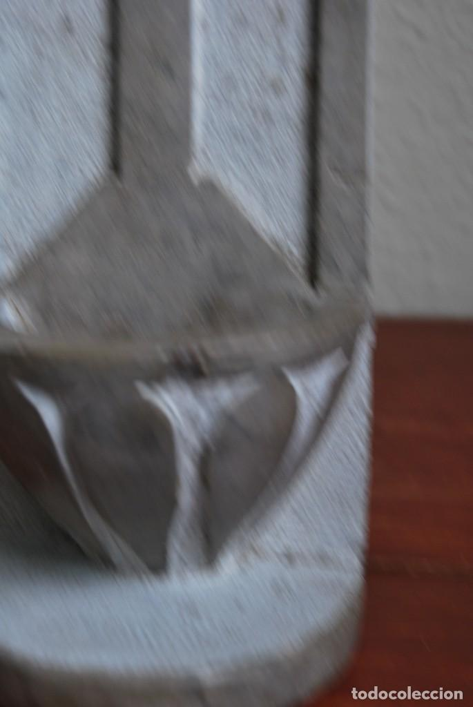 Antigüedades: ANTIGUA BENDITERA DE PIEDRA TALLADA - Foto 10 - 216960337