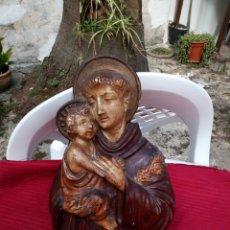 Antigüedades: MUY ANTIGUA IMAGEN DE SAN ANTONIO EN ESTUCO.. Lote 216960658
