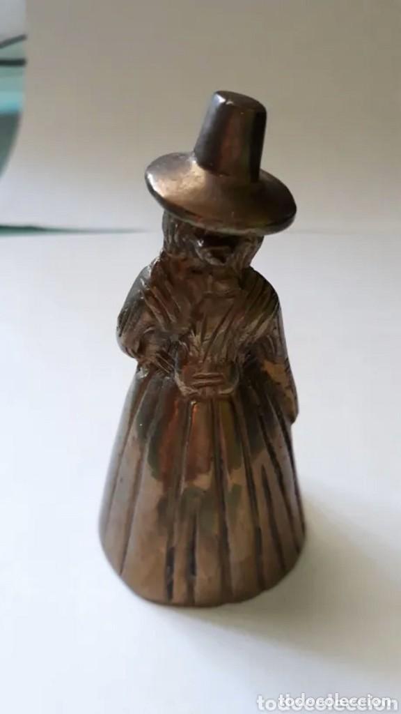 Antigüedades: Antigua campanilla sra con sombrero 9 cm de alto - Foto 2 - 217010975