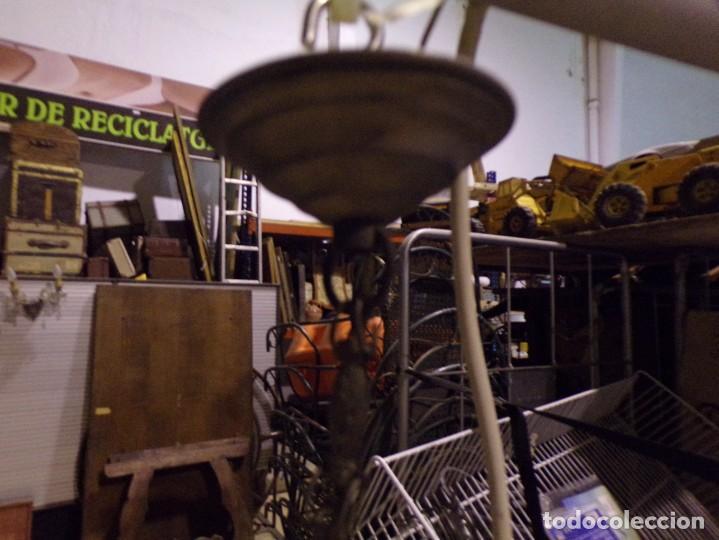 Antigüedades: antigua lampara de techo con bonita tulipa funcionando, se puede adaptar a la altura se quiera - Foto 5 - 217073677