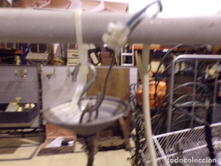 Antigüedades: antigua lampara de techo con bonita tulipa funcionando, se puede adaptar a la altura se quiera - Foto 6 - 217073677
